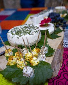 Petite dégustation de fromage frais de la ferme du clos dans le Vercors