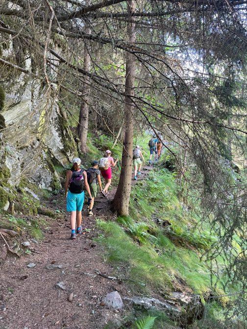 C'est parti pour la randonnée en direction du refuge de la Lavey