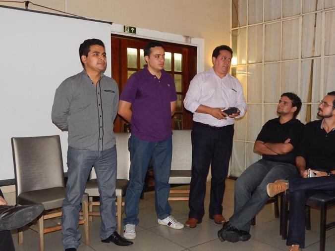 Evandro, Artur e Mauro iniciando o encontro