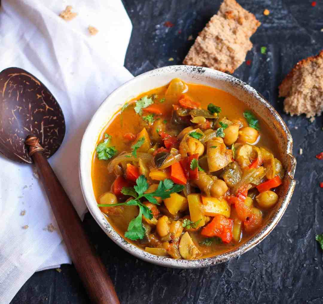 Moroccan Vegetable Stew vegan, colourful, easy recipe, vegetables, chickpeas, protein