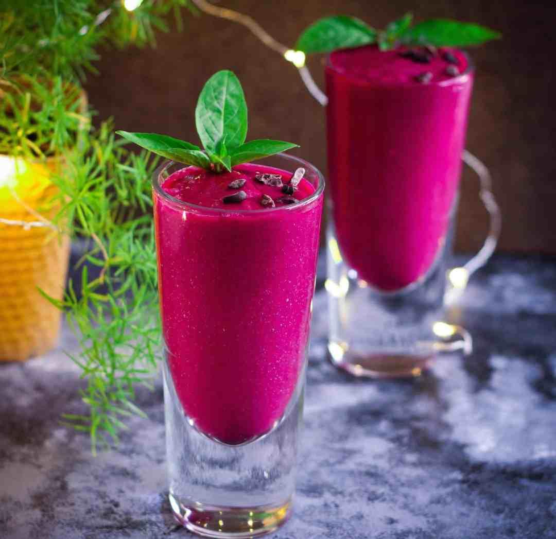 Mulberry Mango Beet Smoothie vegan fruits summer healthy banana-free,refined sugarfree