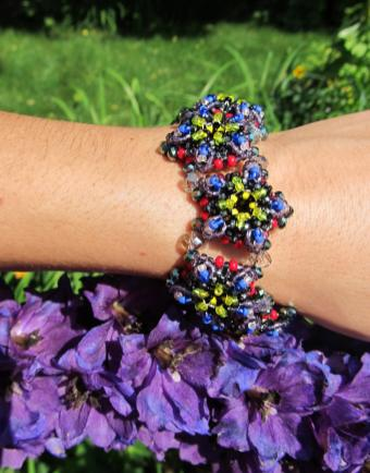 7-Flower Patience in Bloom Bracelet in Purple