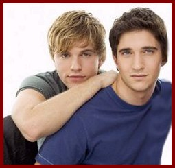 Luke ( Van Hansis) and Noah ( Jake Silberman)