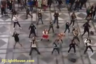 Antwerp Station Sound of Music Dance