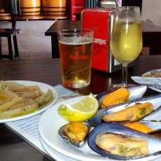 manzanilla and seafood