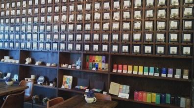 Ronnefeldt Tee Haus' Interior