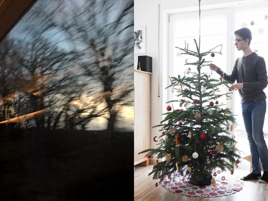 Dezember: Zugfahrten und Weihnachtsbaum dekorieren.