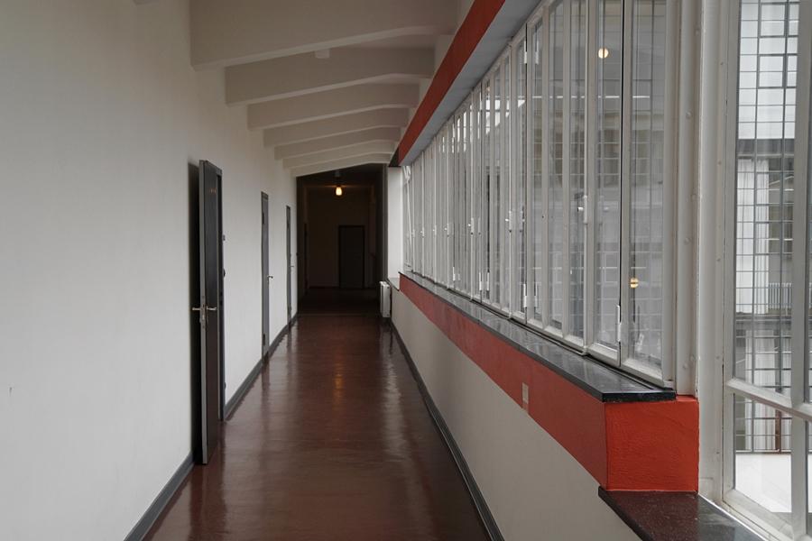 Neues Bauen in Deutschland: Walter Gropius, Bauhausgebäude. Stiftung Bauhaus Dessau.