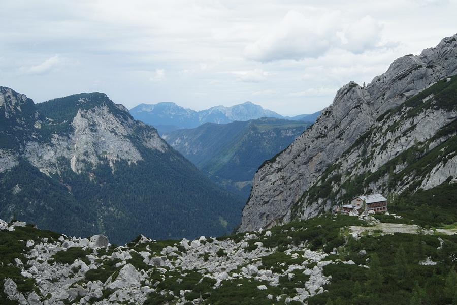 Wandern in den Berchtesgadener Alpen: Ausblick vom Gletscher Hochkalter in Ramsau.