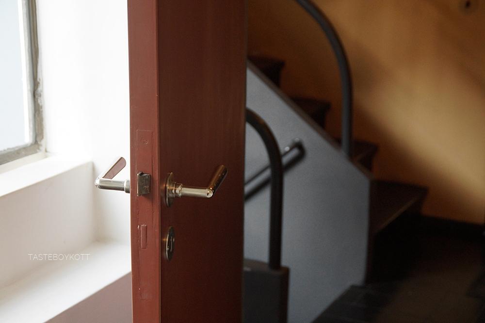 Neues Bauen: Die Weißenhofsiedlung in Stuttgart von 1927. Doppelhaus von Le Corbusier und Pierre Jeanneret. Interieur im Weißenhofmuseum. Architektur, Kunst und Design - Tasteboykott Blog.