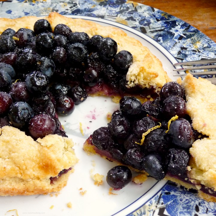 A Touch of Sunshine: Blueberry Crostata