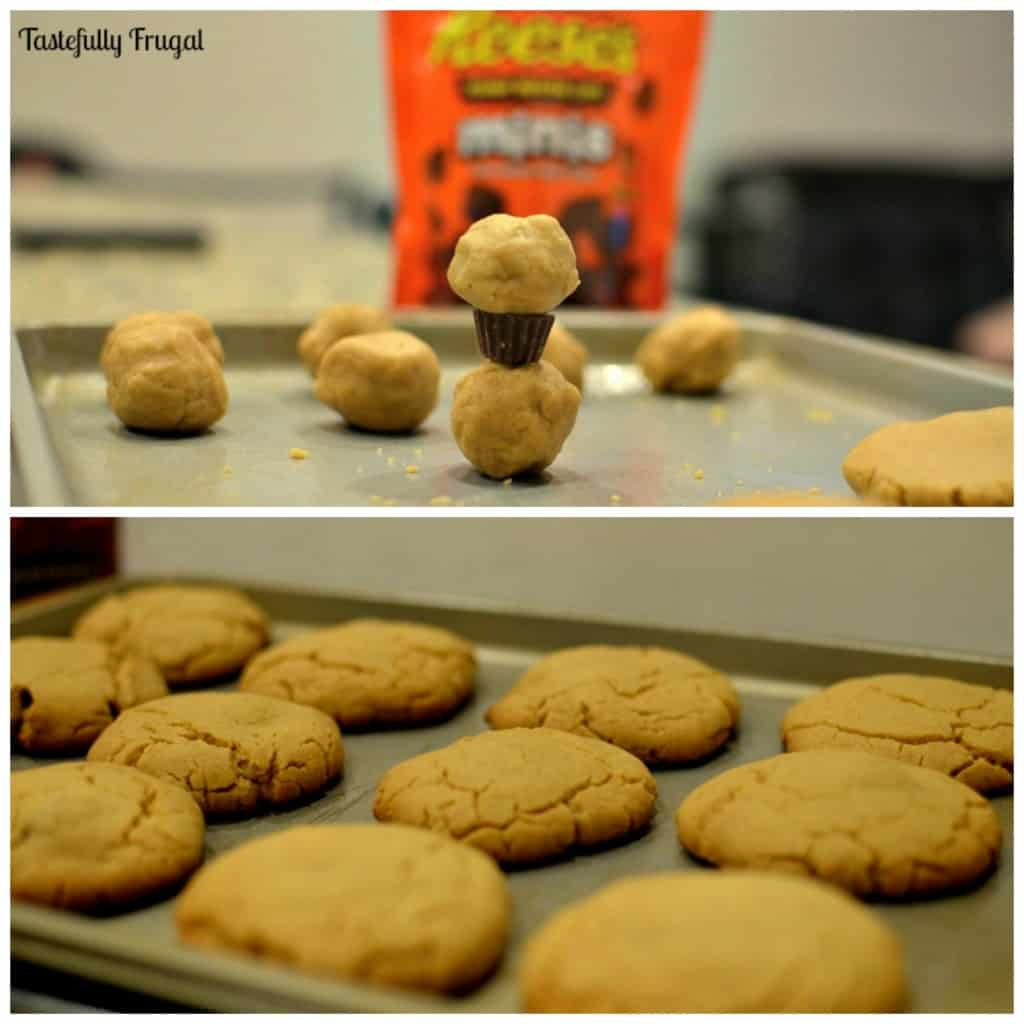 REESE'S Stuffed Peanut Butter Cookies: Creamy Peanut Butter Cookies stuffed with Chocolatey REESE'S Minis #snacktalk #CollectiveBias #ad
