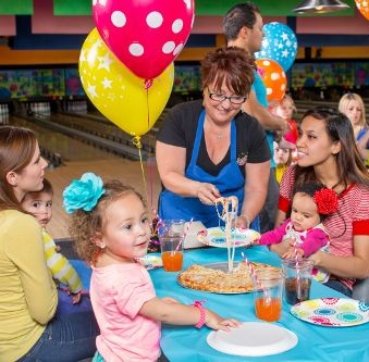 Spring and Summer Fun at Fat Cats: If you're looking for a fun and affordable activities to do with the family, Fat Cats is your place to go!