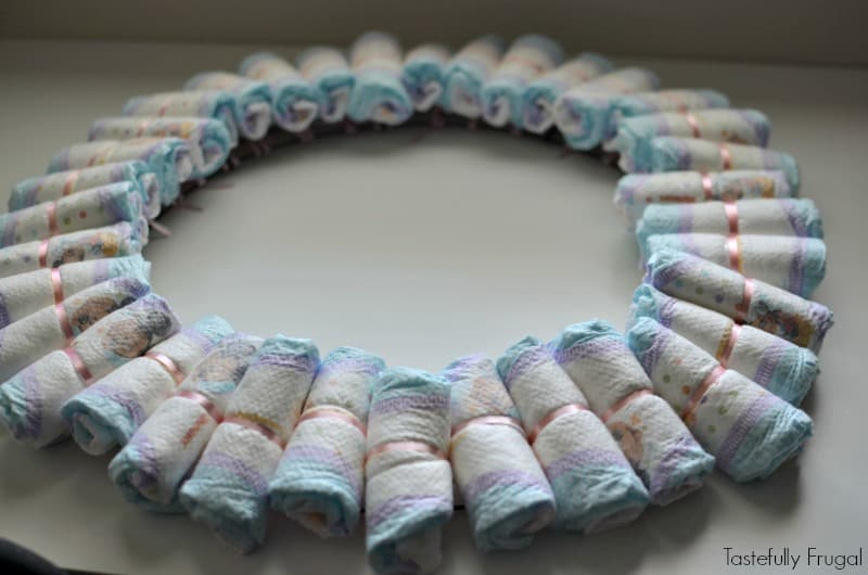 DIY Diaper Wreath: The Perfect Baby Shower Gift That Is Fun AND Useful! AD #SuperAbsorbent
