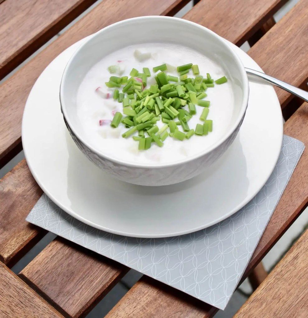 Quick vegan cold coconut soup to cool you down in summer time