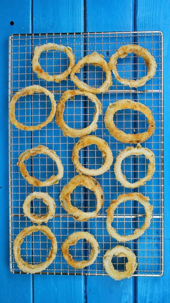 Super crispy onion rings - VeGaN