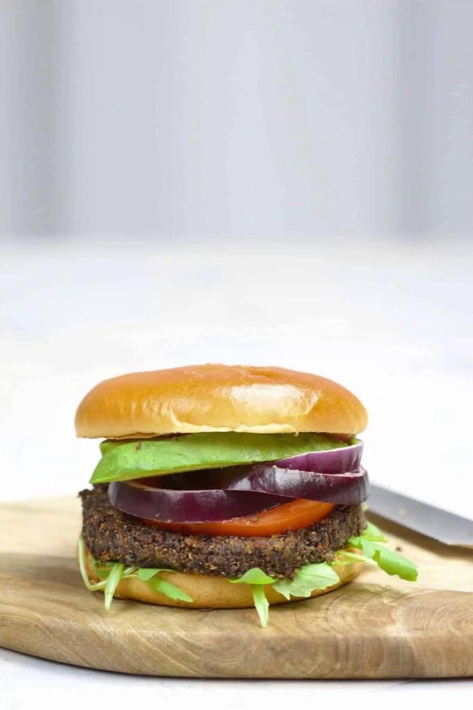 Black quinoa burger (black beans, carrots) [VeGaN]