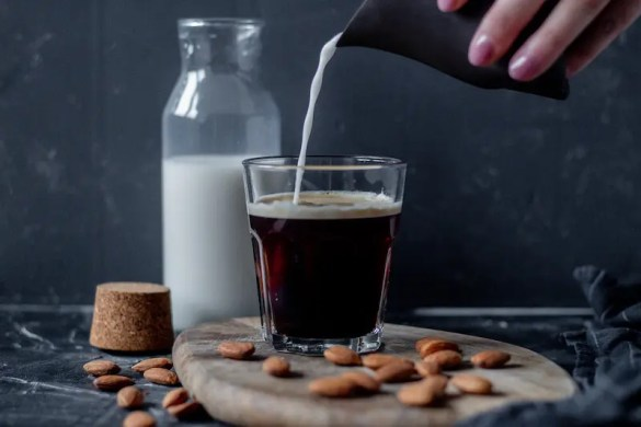 How to make almond milk from roasted almonds?