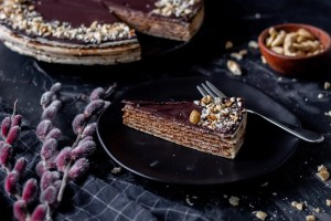 Pischinger cake with chocolate filling - an authentic Polish dessert. 5