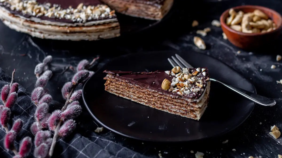 Pischinger cake with chocolate filling – an authentic Polish dessert.