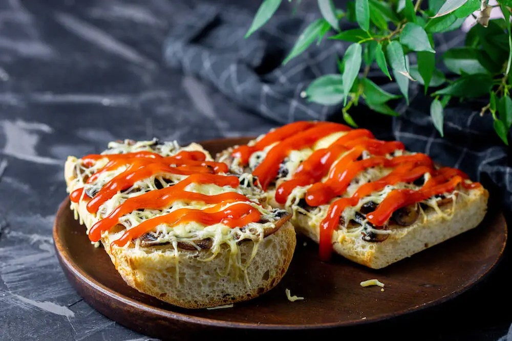 Authentic Zapiekanka recipe – one of the best and fastest Polish dishes.
