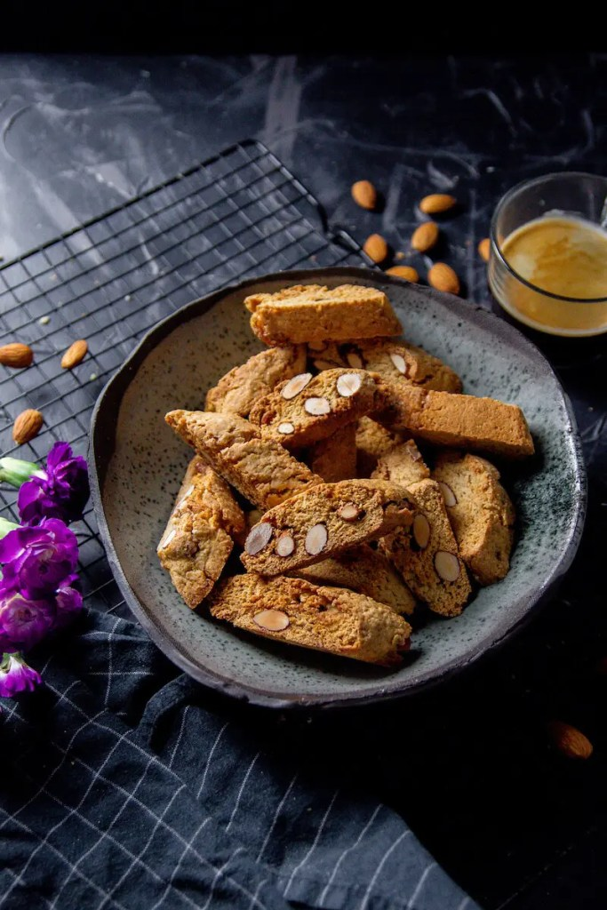 Cantuccini, the best Italian almond biscuits