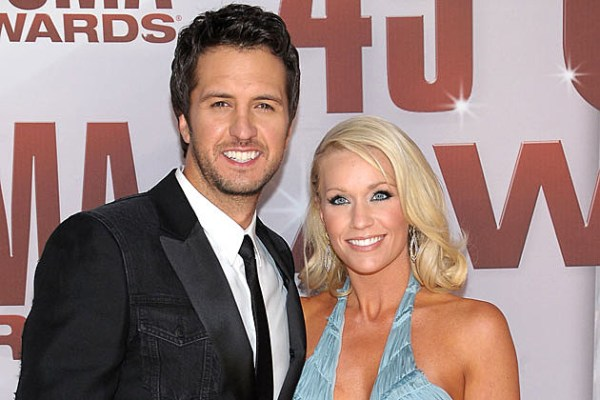 Luke Bryan Lashes Out At Restaurant For Disturbing His
