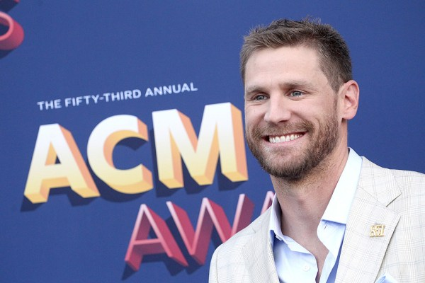 Chase Rice S Eyes On You Introduces His Sensitive Side