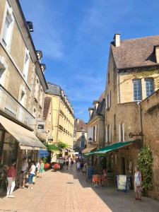 Wandering the gorgeous medieval streets in Sarlat