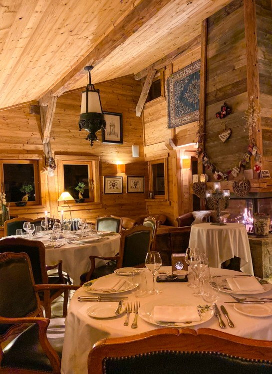 The dining room at Ferme de Montagne