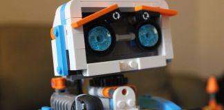 Lego Boost - sklopite i programirajte svog robota od kockica
