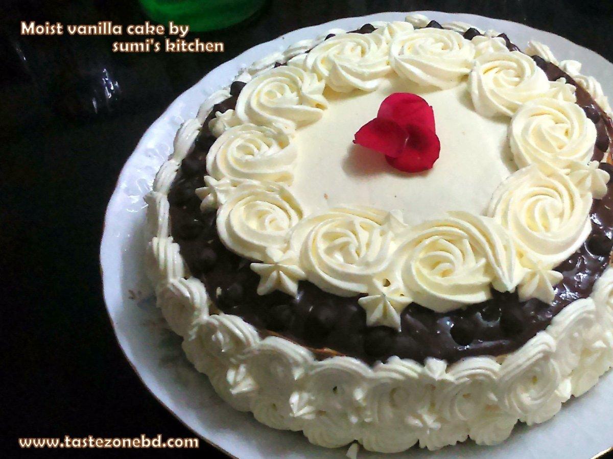 Moist vanilla cake