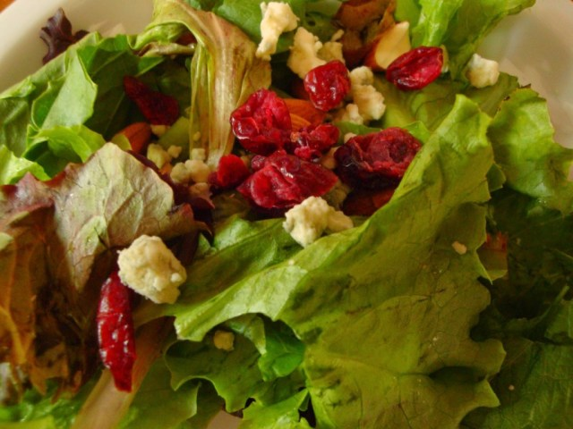 Oregon Spring greens salad with blue cheese and dried currants