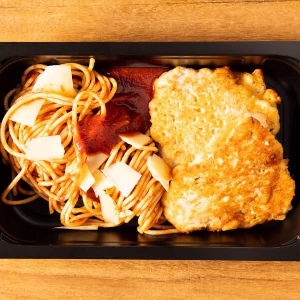 Piccata auf Tomaten Spaghetti