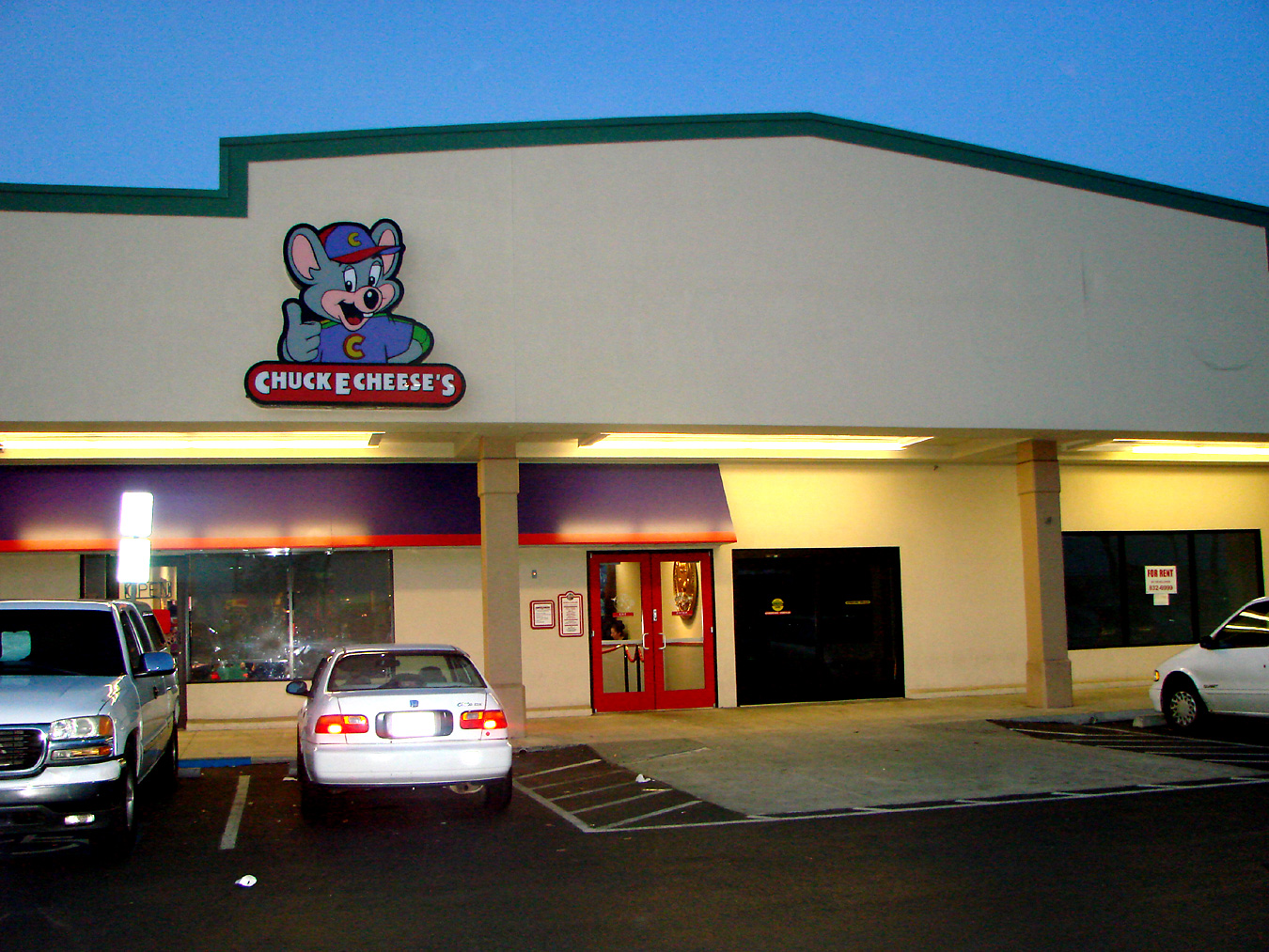 View the Chuck E Cheese's menu, read Chuck E Cheese's reviews, and get Chuck E Cheese's hours and directions. Have no fear; we've compiled a list of all the HI Chuck E Cheese's locations. Simply click on the Chuck E Cheese's location below to find out where it /5(11).