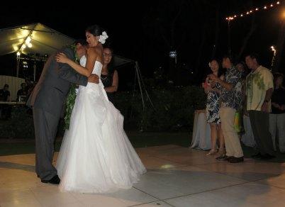 bride_money_grab