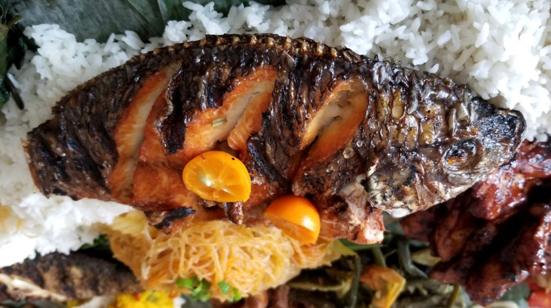 Inihaw na Tilapia (steamed fish)
