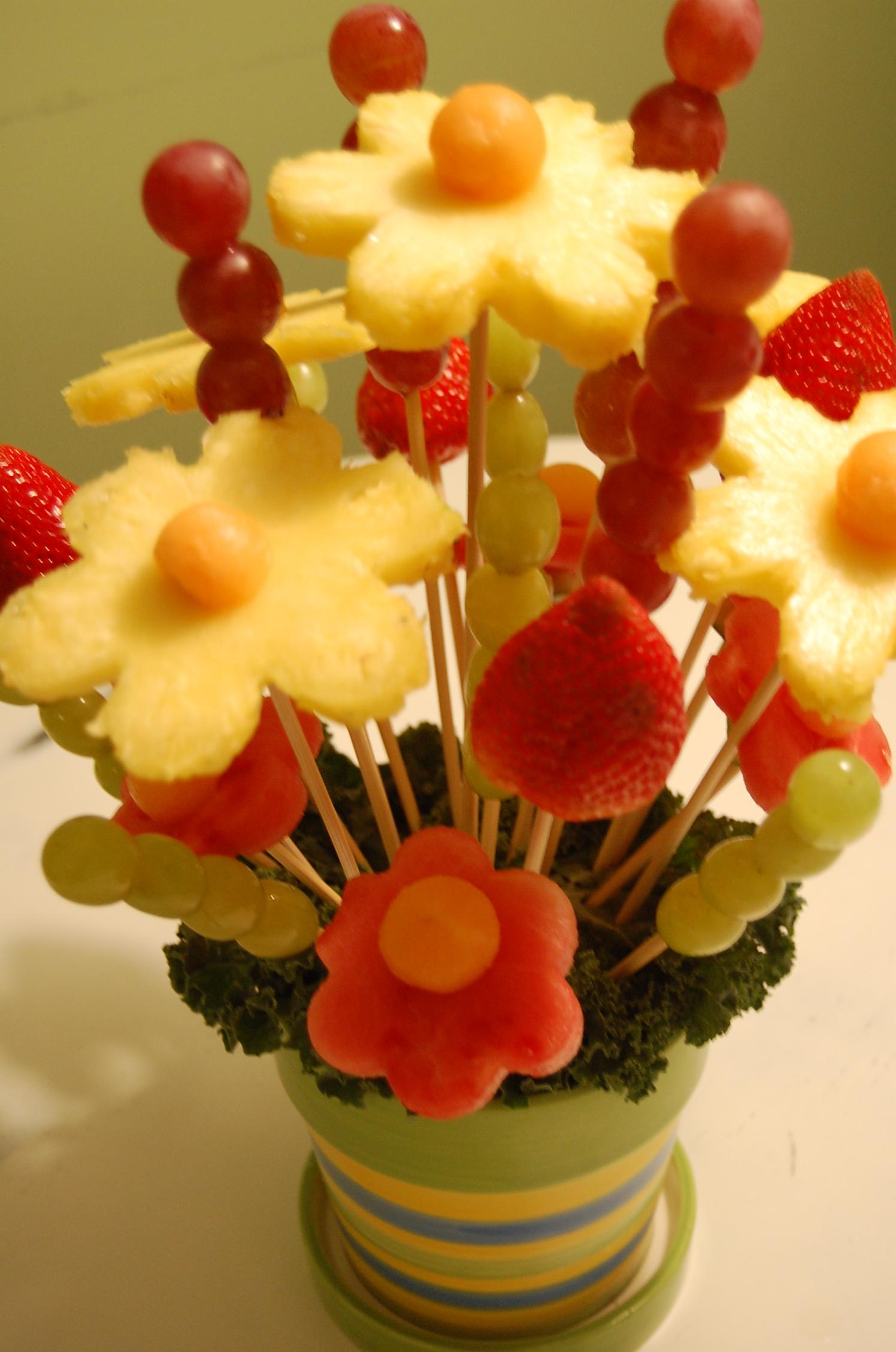 Edible Fruit Arrangement | Tasty Kitchen: A Happy Recipe ...