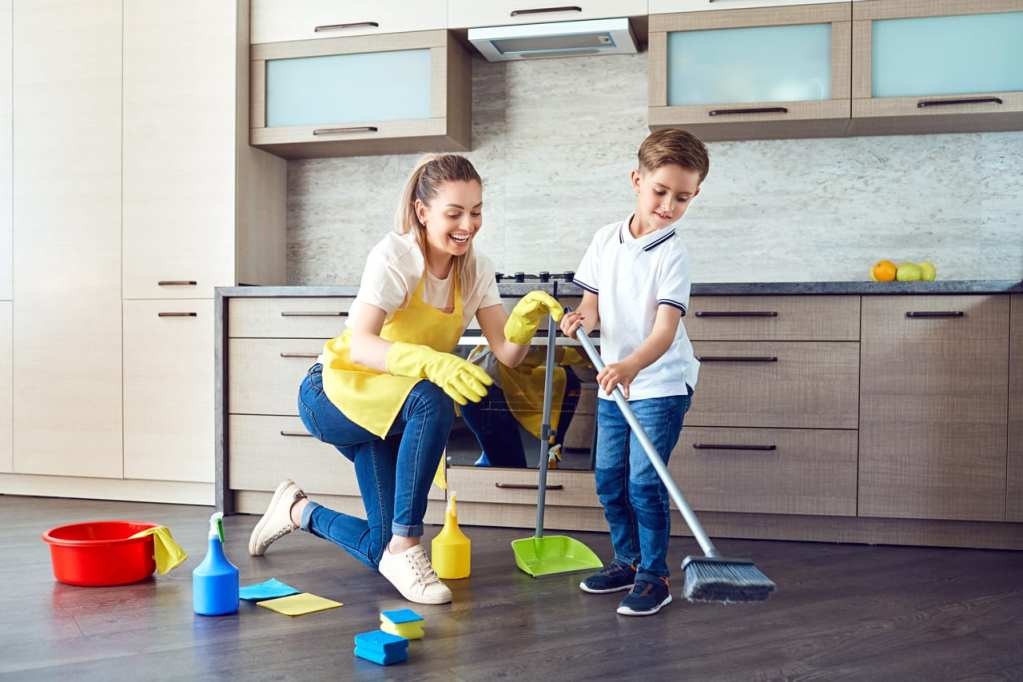 5 Good Reasons Your Kids Should Help You At Home
