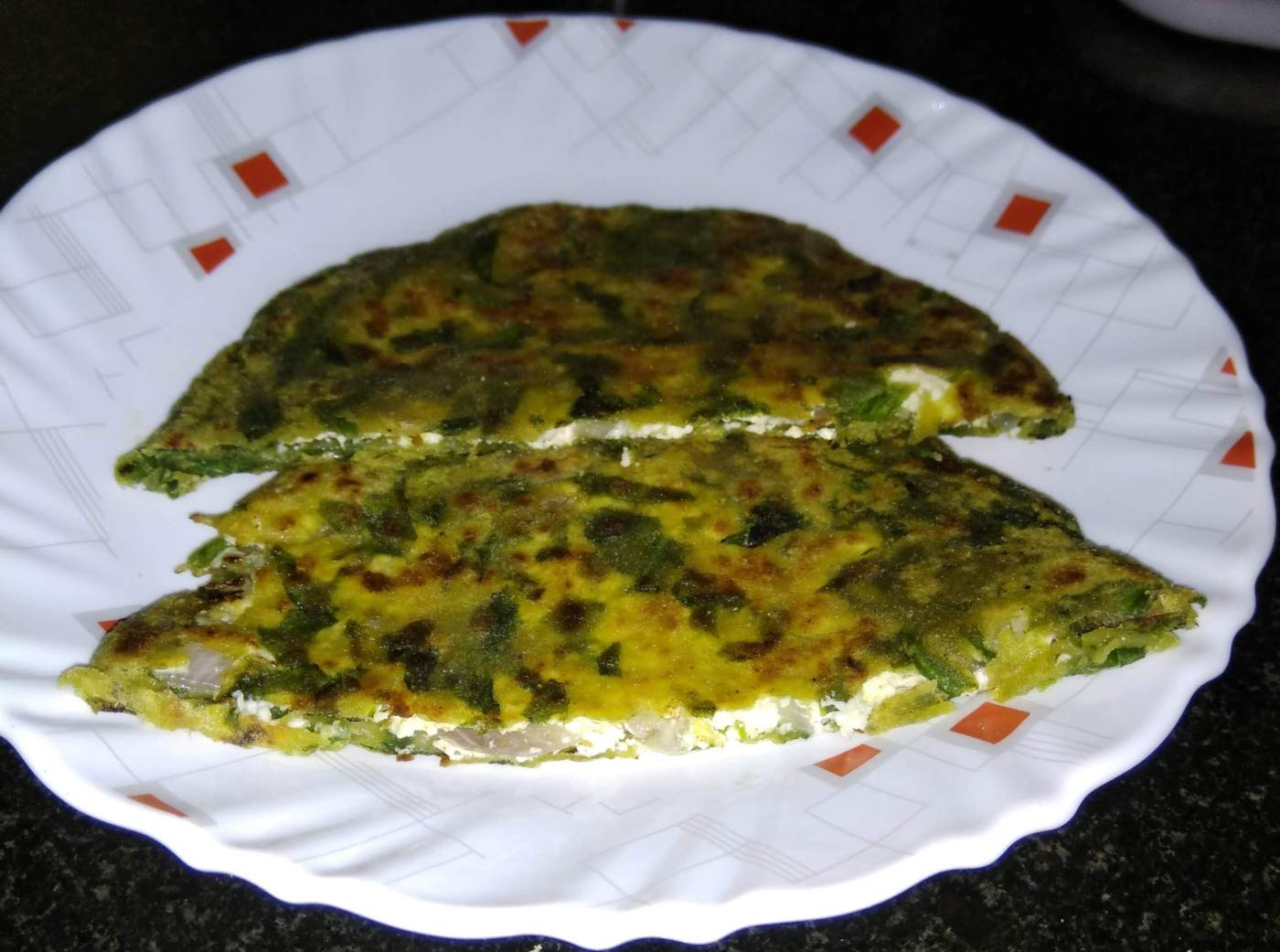 Spinach cottage cheese paratha