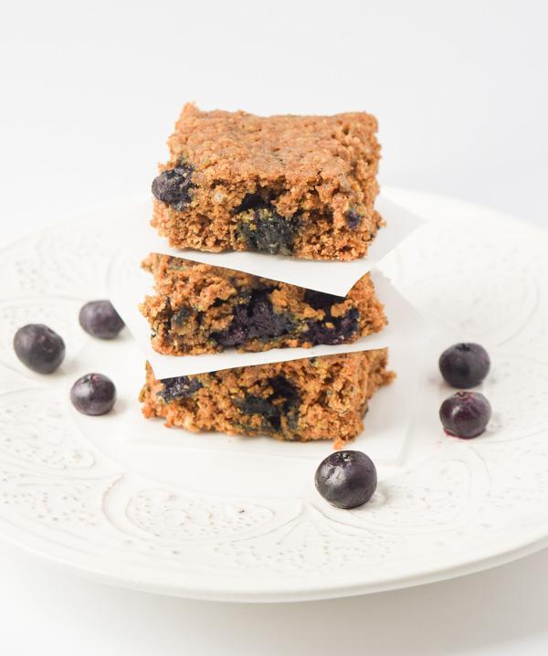 healthy blueberry oat breakfast bars1