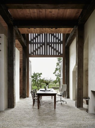 The-Barns-by-Sander-Architecten-4-600x808