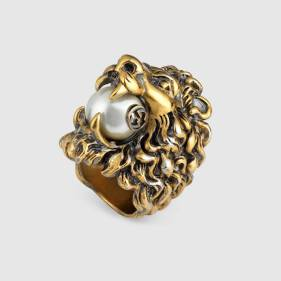 418289_I4620_8078_002_100_0000_Light-Lion-head-ring-with-glass-pearl