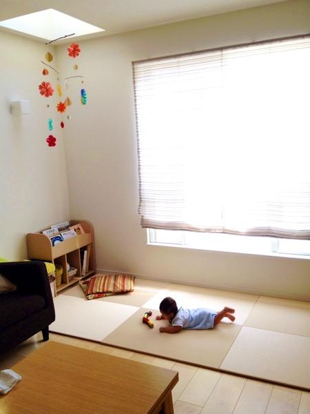 赤ちゃんと畳