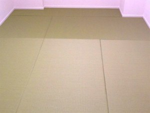 半畳サイズではなく、1畳サイズの畳縁無しで製作