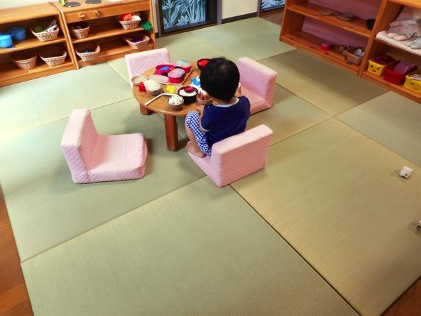 床暖房の保育園で畳を使用しています