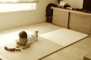 置き畳のクッション性ってどんな感じなのか分かる動画