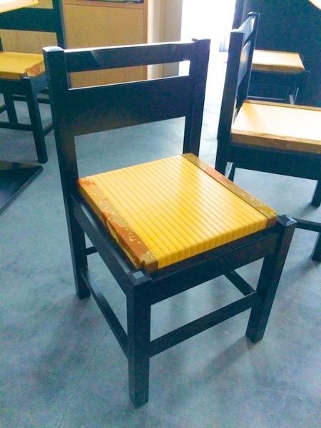 椅子の上に畳