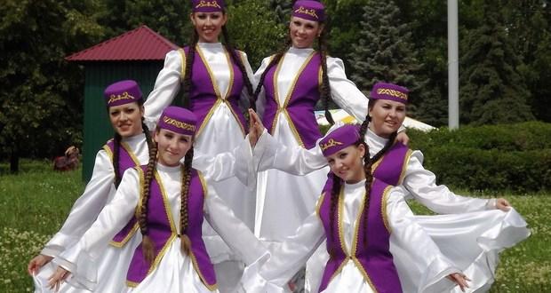 Татарский танцевальный ансамбль «Сәйлән»