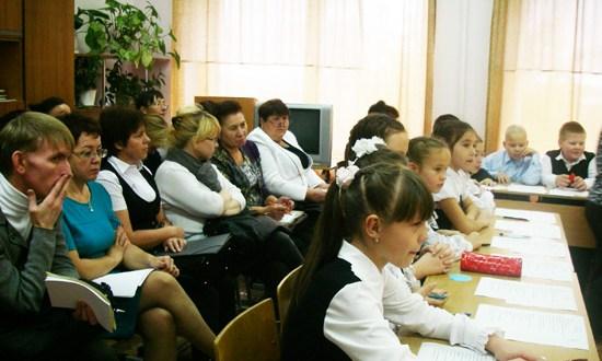 Удмуртия Республикасының татар теле укытучылары күп телләрдә белем бирү модельләрен өйрәнде